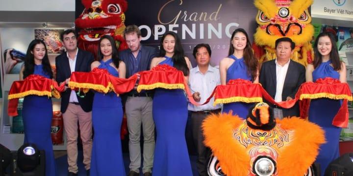 Công ty tổ chức lễ khai trương chuyên nghiệp tại Sóc Trăng | Skretting khai trương Trung tâm AquaMart tại Sóc Trăng