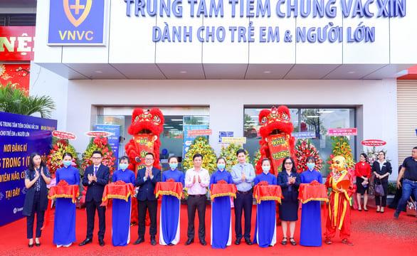 Tổ chức lễ khai trương giá rẻ tại Long AnI Khai trương trung tâm tiêm chủng VNVC Thái Nguyên