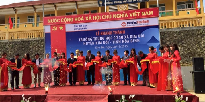 Tổ chức lễ khánh thành chuyên nghiệp tại Hòa Bình | Khánh thành 2 trường học LienVietPostBank tài trợ tại Hòa Bình