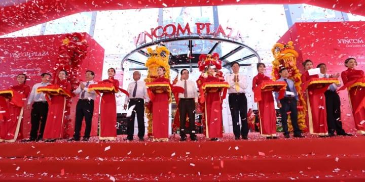Công ty tổ chức lễ khai trương giá rẻ tại Đồng Tháp I Khai trương Vincom Plaza