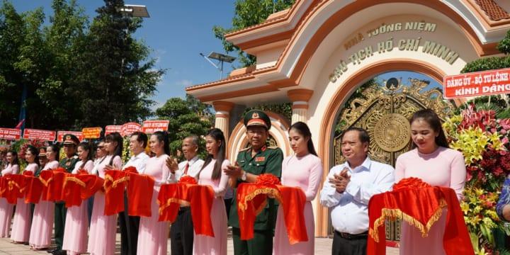 Tổ chức lễ khánh thành giá rẻ tại Cần ThơIkhánh thành Nhà tưởng niệm Chủ tịch Hồ Chí Minh